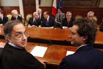 Sergio Marchionne e John Elkann all'incontro con il Governo (Foto Ansa)