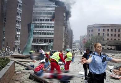 La piazza di Oslo dopo lo scoppio (Foto: ANSA)