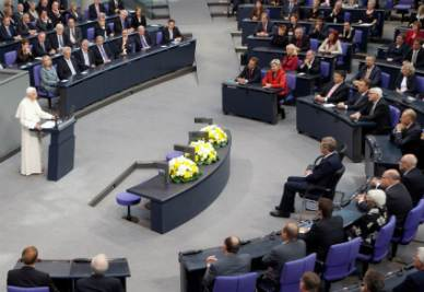 Pope Benedict XVI speaks at the Bundestag