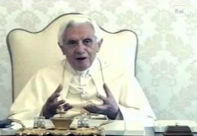 Il Papa partecipa alla trasmissione A sua immagine (Foto Ansa)