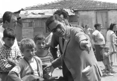 Pier Paolo Pasolini sul set di Accattone (Foto Ansa)