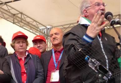 Camusso, Angeletti e Bonanni sul palco di Marsala (Foto Ansa)