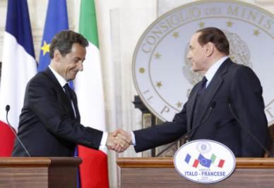 Nicolas Sarkozy e Silvio Berlusconi (Foto Ansa)