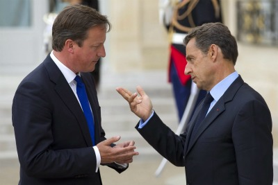 David Cameron and Nicolas Sarkozy argue about the euro  (photo ANSA)