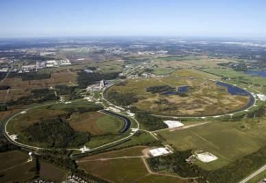 Una veduta aerea dell'acceleratore Tevatron (Foto Ansa)