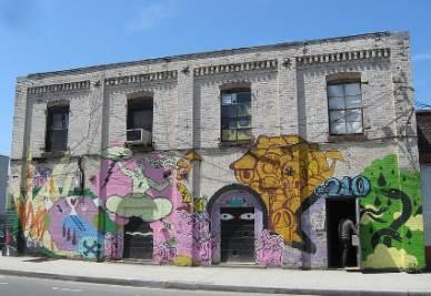 Un'ex fabbrica trasformata in art studio a New York