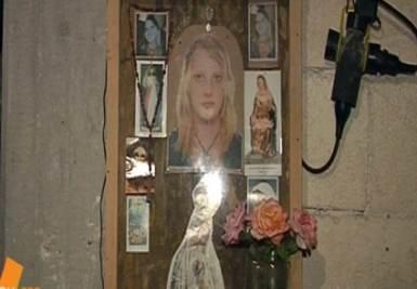 L'altarino di Michele Misseri, foto Ansa