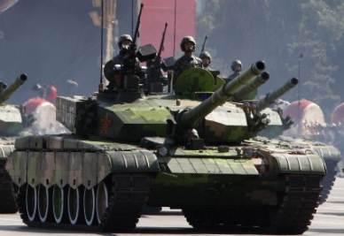 Cina, carri armati in parata (Ansa)