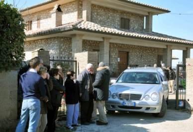L'abitazione dove è avvenuta la strage di oggi, foto Ansa