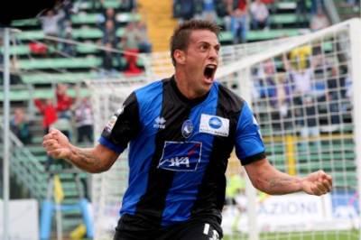 Il gol di Denis al Palermo, foto Ansa