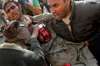 Un manifestante ferito in Egitto