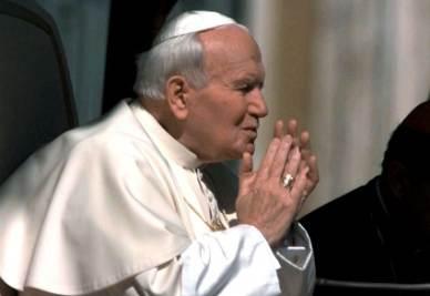 Giovanni Paolo II (Ansa)