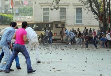 Scontri tra musulmani e cristiani a Imbaba