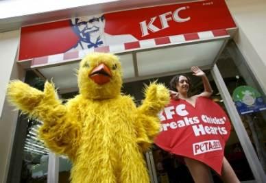 Proteste contro la catena di fast food Kfc