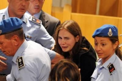 Amanda lascia il tribunale di Perugia, foto Ansa