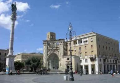 La piazza di Lecce dove si teneva il concerto di ieri sera