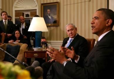 Benjamin Netanyahu con Barack Obama alla Casa Bianca il 20 maggio scorso (Ansa)