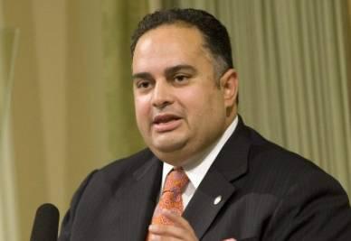 L'autore della proposta, John A. Pérez