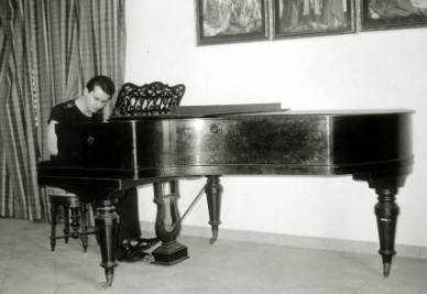 Un pianoforte come quello rubato