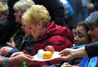 Il destino di milioni di poveri (Ansa)