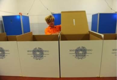 AFFLUENZA REFERENDUM 2011/ Quorum votanti raggiunto. Affluenza definitiva intorno al 57%
