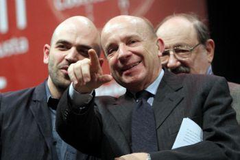 Roberto Saviano, Gustavo Zagrebelsky, Umberto Eco (Ansa)