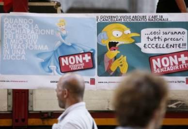I manifesti dello sciopero con il cattivo dei Simpson, Mr Burns (Ansa)