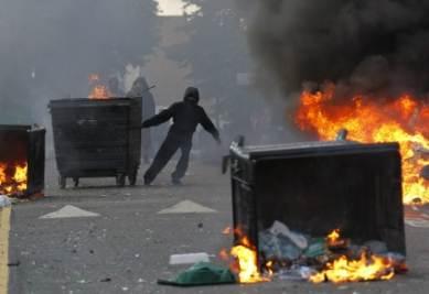 Una foto dei tumulti di Londra (Foto Ansa)
