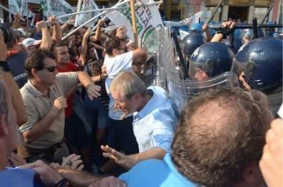 Gli scontri di oggi a Venezia, foto Ansa