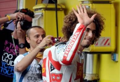 MARCO SIMONCELLI/ Fotogallery, il tributo di Valentino Rossi e gli altri al GP di Valencia