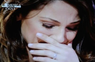 Anna Tatangelo in lacrime