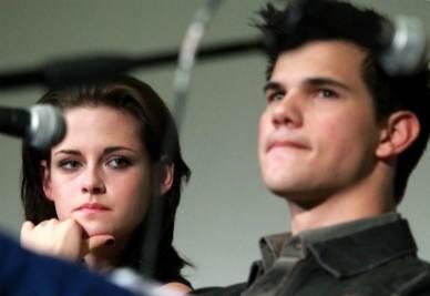 Kristen Stewart e Taylor Lautner (Foto Ansa)