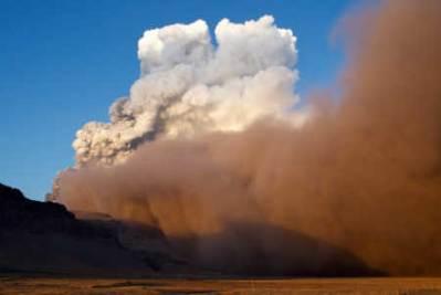Il vulcano Eyjafjallajokull (Ansa)