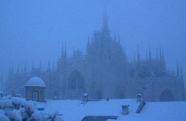 DuomoMilanoNeve_R375.jpg