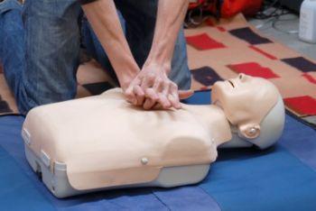 massaggio_cardiaco_R400.jpg