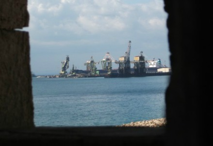 L'Ilva vista dal golfo di Taranto
