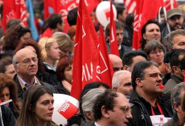 SCUOLA/ 1. Il federalismo Gelmini-Formigoni saprà resistere a corporazioni e sindacati?
