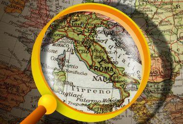 Italia_lente_ingrandimentoR375_22ott08.jpg