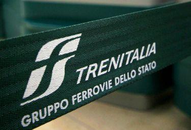 Trenitalia_NastroR375_04mar09.jpg