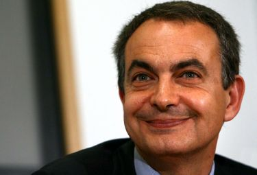 Zapatero_sorridenteR375_12nov08.jpg