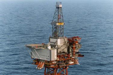piattaforma_petrolifera_R375.jpg
