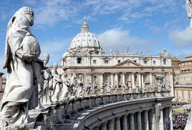 vaticano_statuaR375.jpg