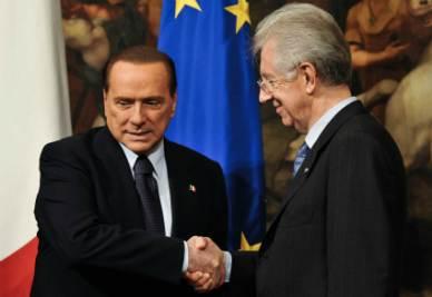 Silvio Berlusconi e Mario Monti (Foto Imagoeconomica)