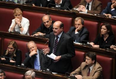 Pier Luigi Bersani alla Camera (Imagoeconomica)