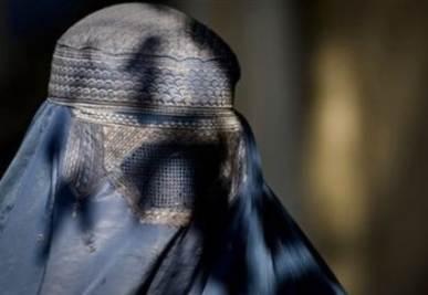 Burqa fuorilegge, a settembre alla Camera