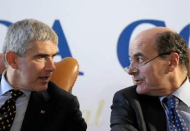 Pier Ferdinando Casini e Pier Luigi Bersani (Foto Imagoeconomica)