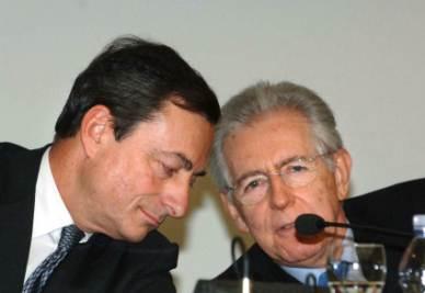Mario Draghi e Mario Monti (Foto Imagoeconomica)
