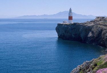Una veduta dello Stretto di Gibilterra (Foto Imagoeconomica)