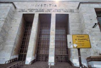 Il Palazzo di Giustizia di Milano (Foto Imagoeconomica)