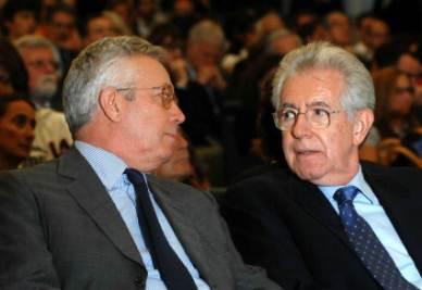 Giulio Tremonti e Mario Monti (Foto Imagoeconomica)